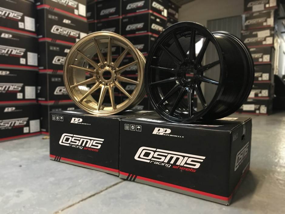 Cosmis Wheels R1